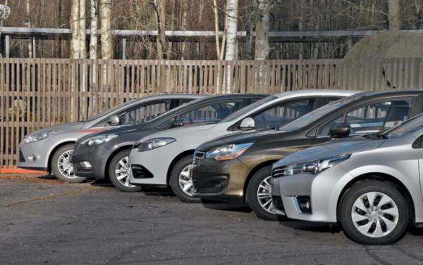 Kia Cerato-Toyota Corolla-Renault Fluence-Ford Focus-Citroen C4 sedan