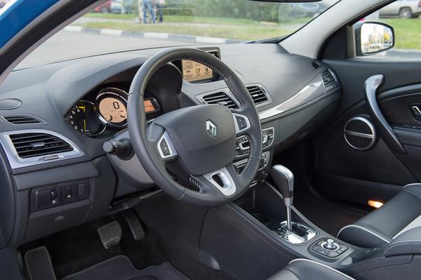 Kia pro_cee'd и Renault Megane Coupe -10