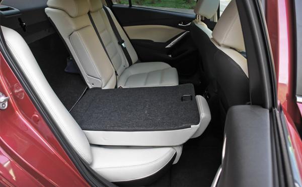 Mazda6-4