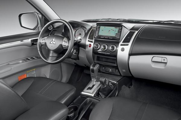 Mitsubishi Pajero Sport-3