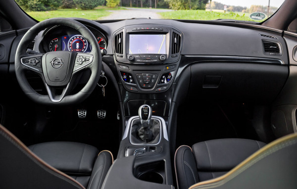 Opel Insignia-4