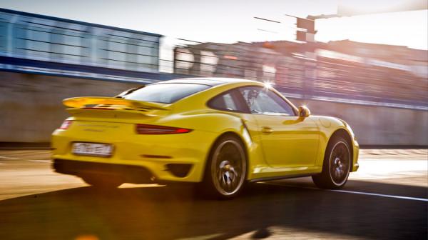 Porsche 911 Turbo S-6