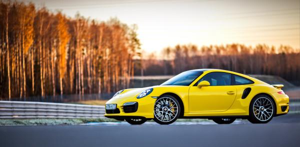Porsche 911 Turbo S-8