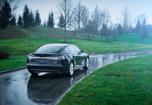 Tesla Model S-14