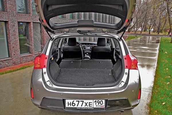 Toyota Auris-3