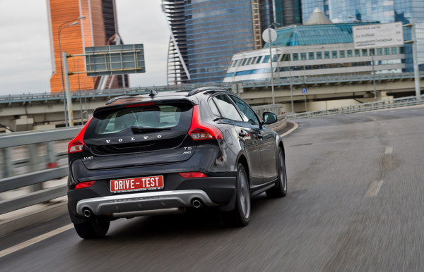 Volvo V40 Cross Country-14