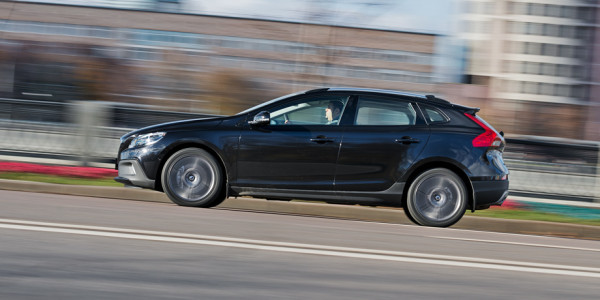 Volvo V40 Cross Country-15