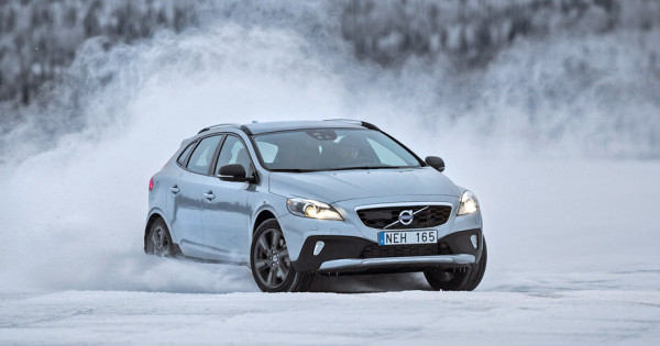 Volvo V40 Cross Country-21